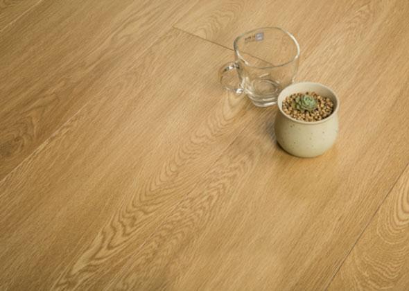 宏发之星 金刚面实木复合地板